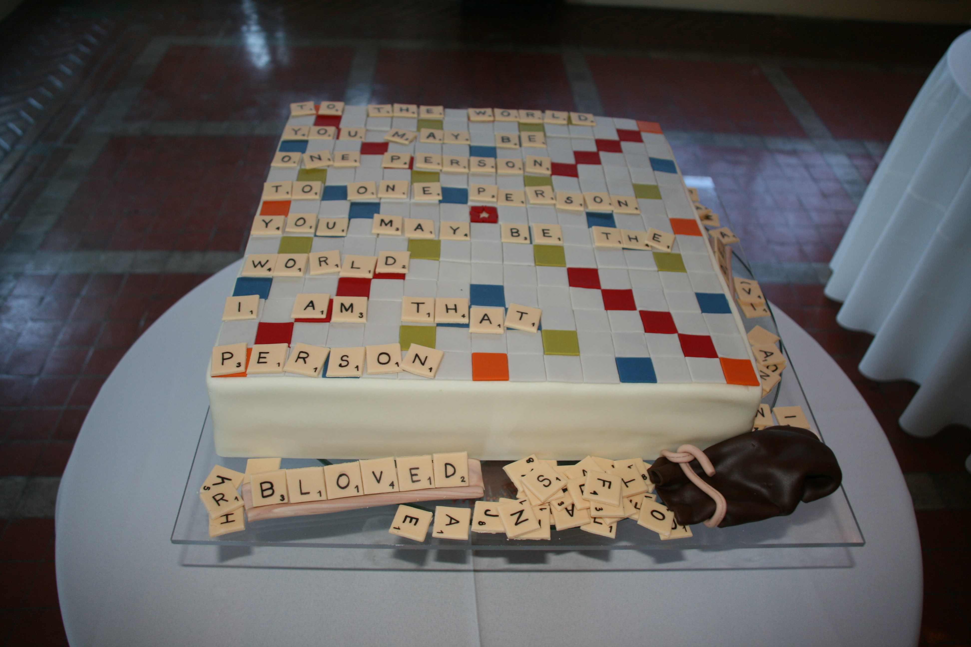 The fabulous custom made grooms cake by Studio Cake in Menlo Park. Christina had the cake made in the image of the portable board game that Burt proposed with!