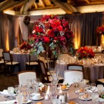 Alternating tall and low centerpieces add visual interest